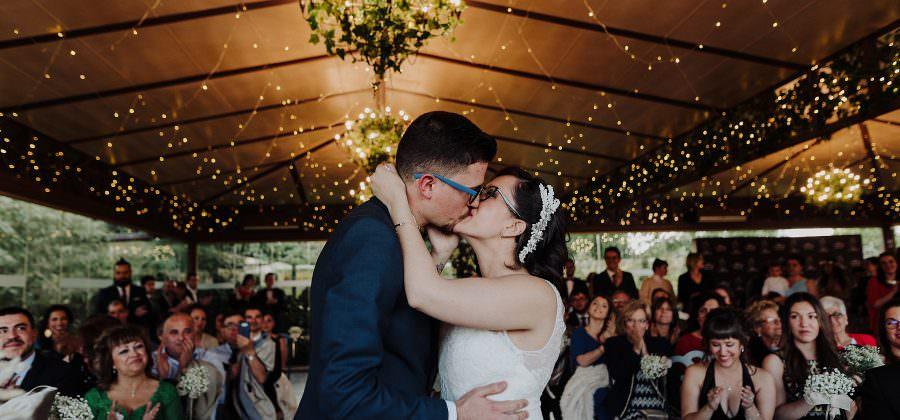 Las 5 fotos que no pueden faltar en tu boda